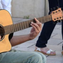 Erst Wunschinstrument finden, dann beim Musizieren abschalten und selbstverwirklichen