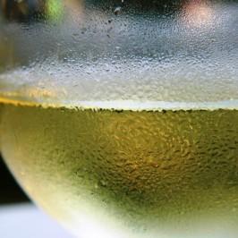 Weinkühler: Immer ein gekühltes Glas Wein parat – das nicht ganz uneigennützige Geschenk ;)
