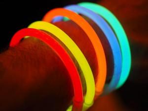 Knicklichter zum Beispiel als Armbandreif - ohphoria.de