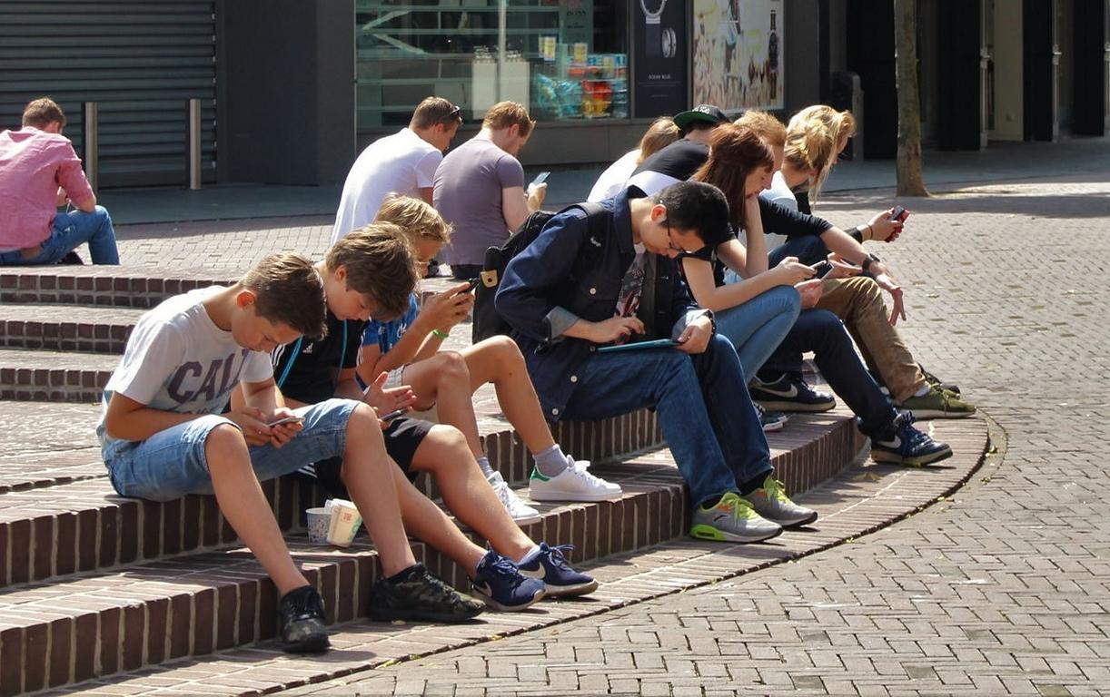 Sind wir alle handysüchtig? - Mit dem nophone für ein Leben ohne Handy und gegen die Handysucht