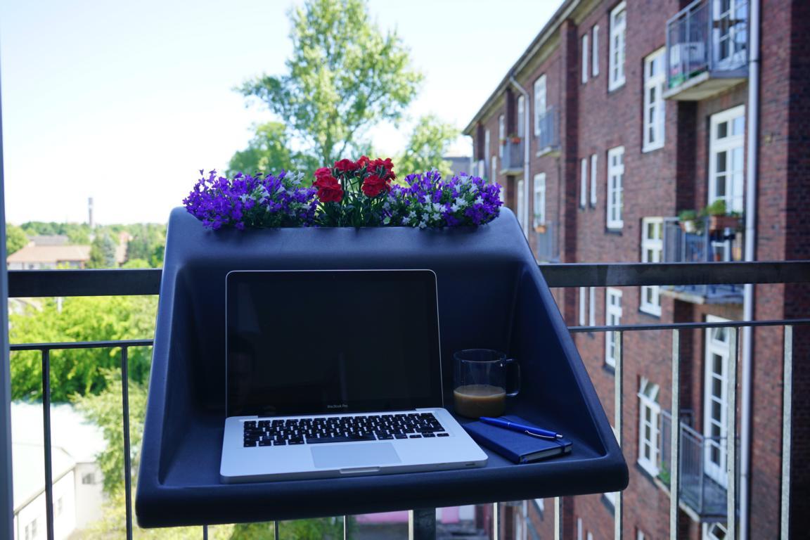 Dieses Geschenk für den Balkon wandelt jeden noch so kleinen Balkon in eine nützliche Fläche um