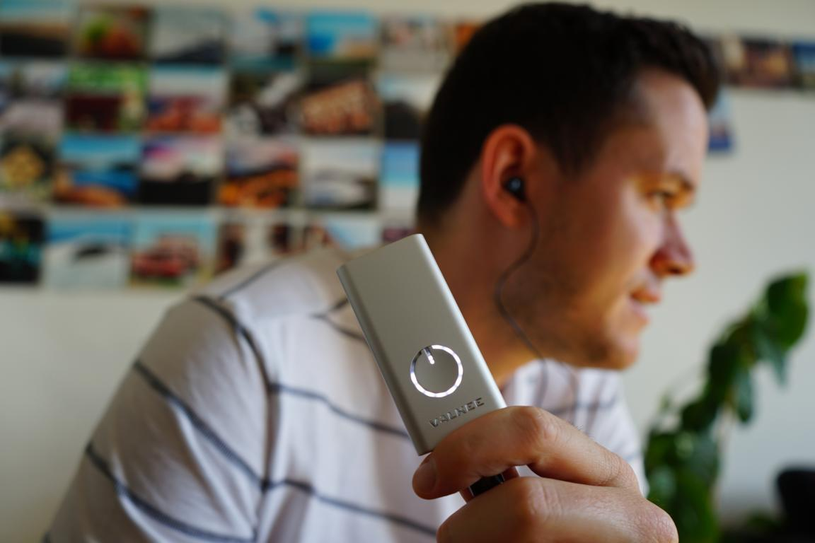 Mit Licht im Ohr zu mehr Energie und Konzentrationsfähigkeit