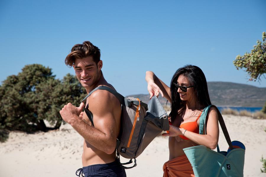 Terra Nation hat viele Produkte für den Strand - zum Beispiel einen innovativen Strandrucksack