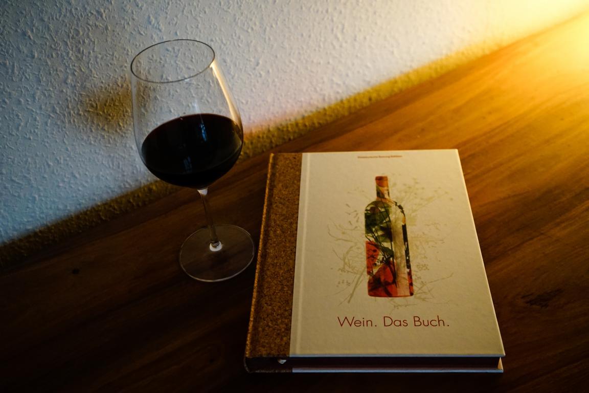 Dieses Weinbuch ist ideal für alle, die auch Wissensdurst zum Thema haben